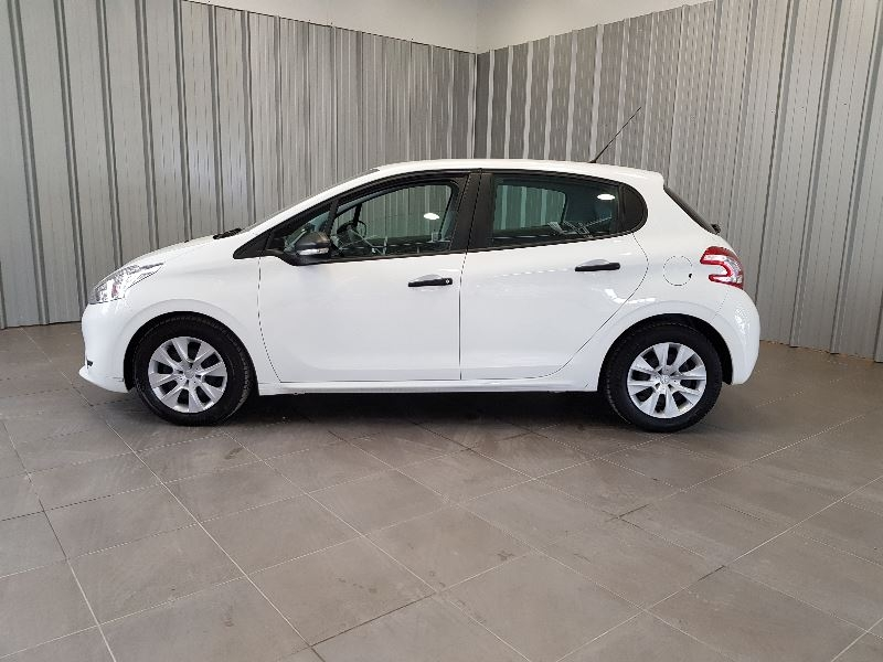 Photo 3 de l'offre de PEUGEOT 208 AFFAIRE 1.6 E-HDI 92 FAP PACK CD CLIM 5P à 7990€ chez Auto VEC