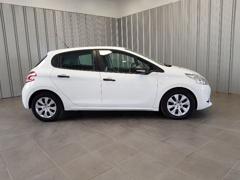 Photo 4 de l'offre de PEUGEOT 208 AFFAIRE 1.6 E-HDI 92 FAP PACK CD CLIM 5P à 7990€ chez Auto VEC