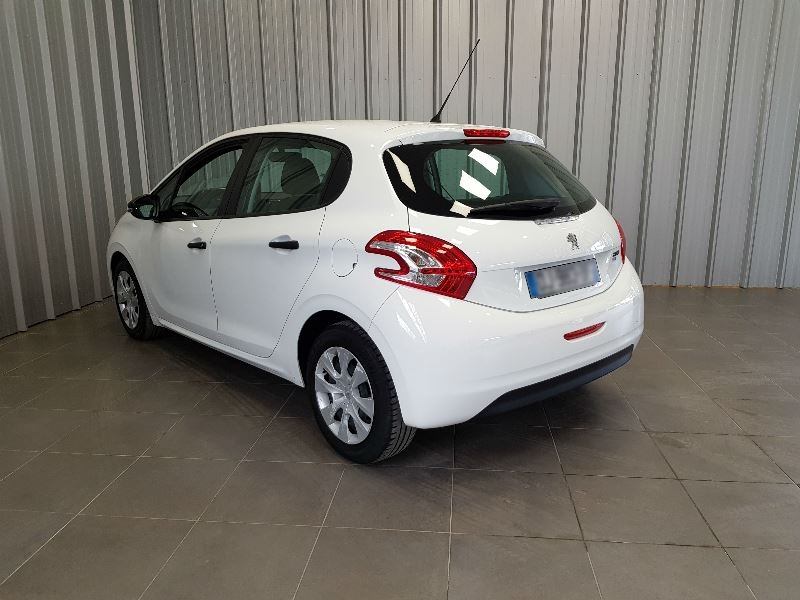 Photo 6 de l'offre de PEUGEOT 208 AFFAIRE 1.6 E-HDI 92 FAP PACK CD CLIM 5P à 7990€ chez Auto VEC
