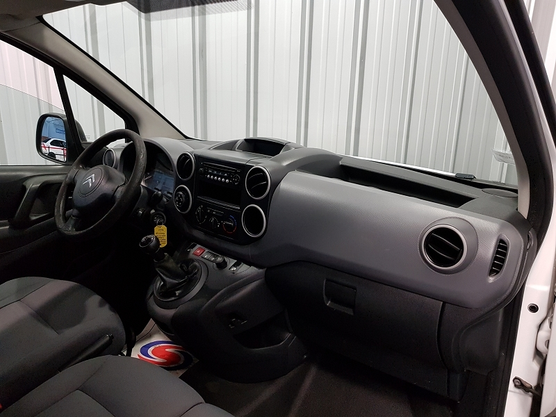 Photo 7 de l'offre de CITROEN BERLINGO 20 L1 HDI 75 CLUB à 7990€ chez Auto VEC