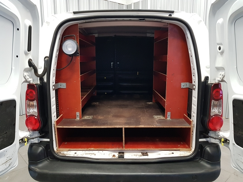 Photo 13 de l'offre de CITROEN BERLINGO 20 L1 HDI 75 CLUB à 7990€ chez Auto VEC