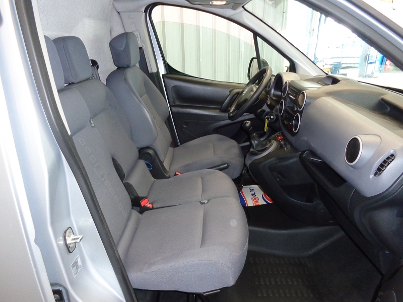 Photo 12 de l'offre de CITROEN BERLINGO 20 L1 HDI 75 CLUB à 7990€ chez Auto VEC